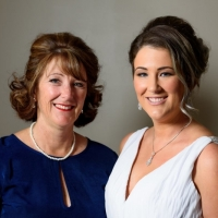 the-bride-to-be-with-her-mum-wilson-russell-hyde-photography-3