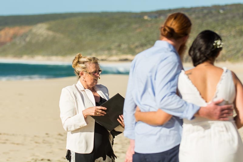 yallingup-beach-wedding-reid-14