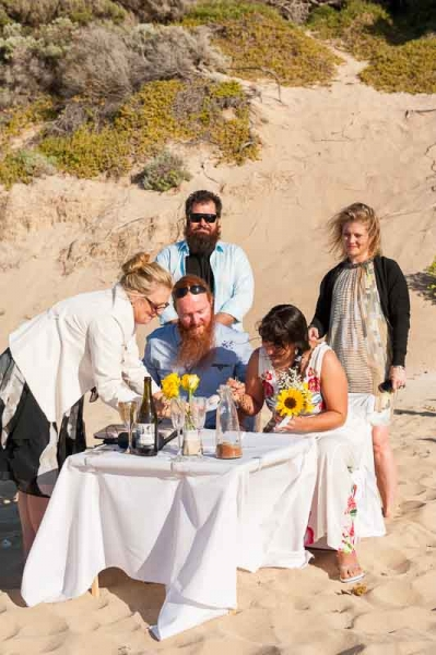 yallingup-beach-wedding-reid-27